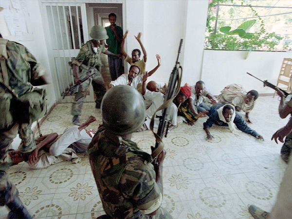 us involvement in mogadishu Us president george bush launches somalia intervention deteriorating security prevents the un mission from delivering food and supplies to the starving somalis relief flights are looted upon landing, food convoys are hijacked and aid workers assaulted the un appeals to its members to provide military forces to assist.