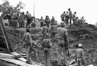 BIAFRAN SOLDIERS: ABA - UMUAHIA HIGHWAY