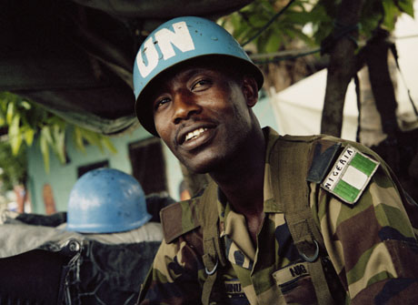 http://beegeagle.files.wordpress.com/2011/08/unmil-peacekeeper-from-nigeria-in-liberiaphotospanos1.jpg?w=640