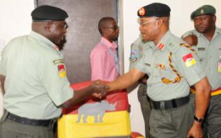 Maj.Gen AB Marwa(l) hands over command to Maj.Gen JO Nwaogbo in Jos, 21-2-2012
