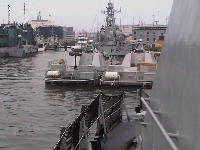 Patrol craft and Manta ASD Mk II interceptors
