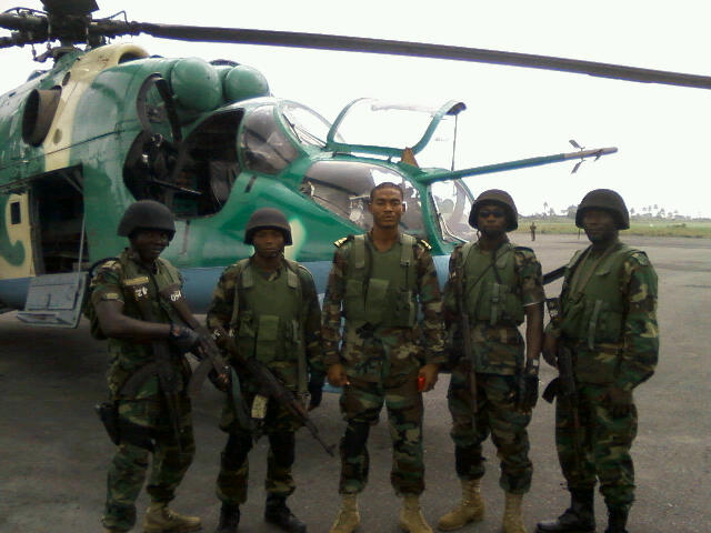 Joint Nigerian Special Forces and a Mi-24V Hind attack helicopter